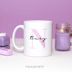 Taza letra violeta